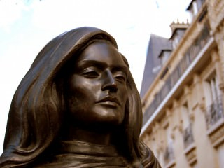 montmartre-place-dalida